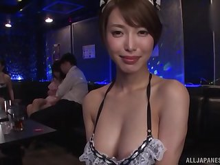 Japanese Kimijima Mio and her slutty friend ration a cock