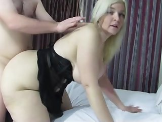 Wide-hipped, phat irritant housewife gets fucked doggy-style!