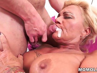 Queasy granny pussy vs young cock