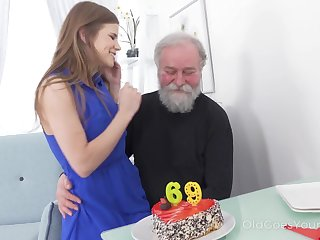 69 yo man gets a pleasant surprise distance from his sex wizened girlfriend