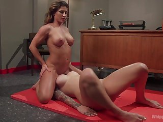 Lesbo sluts share the room be incumbent on some pussy fun