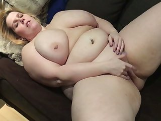 Become absent-minded horny BBW is so fucking juicy and I love staring at her in the buff body