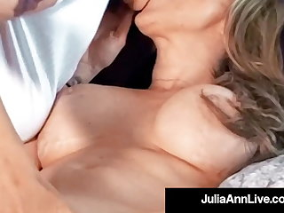 Well-endowed Cougar Julia Ann Muff Dives With reference to Lesbian Kayla Paige!