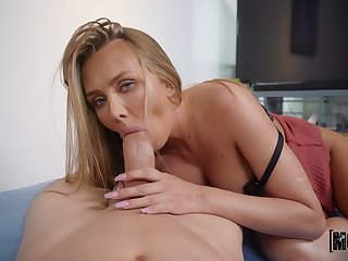 Peen-pleasing tart Jeanie Marie Sulivan gives on touching some admirable pussy