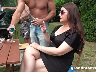 Obese battle-axe in sunglasses is brutally fucked by two dudes during picnic