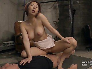 for detail asian babe Mikan Kururugi rides throbbing dick