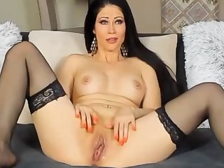 Camwhore Spanks Her Pussy Be incumbent on The Artful Time I