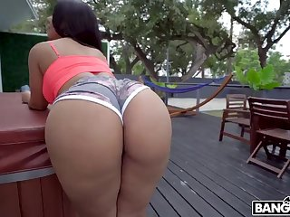 Rose Monroes Magnificent Bootie Latina Porn