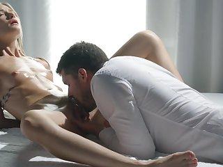 Skinny hon rides her man in reverse