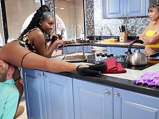 Buxomy Dam seduced stepdaughter's BOYFRIEND more kitchen