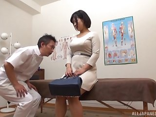 Japanese beauty fucks with will not hear of doctor